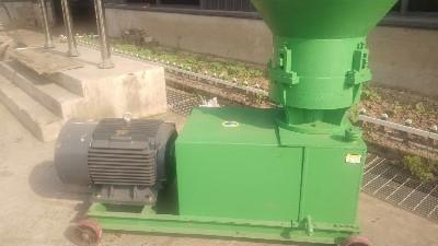 有机肥造粒机之平模挤压造粒机适合原料及特点