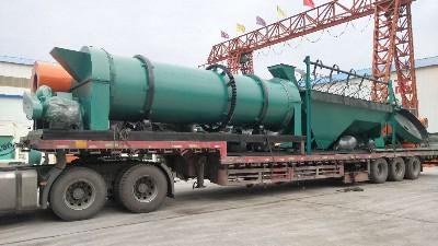 发往宁夏的有机肥设备装车发货